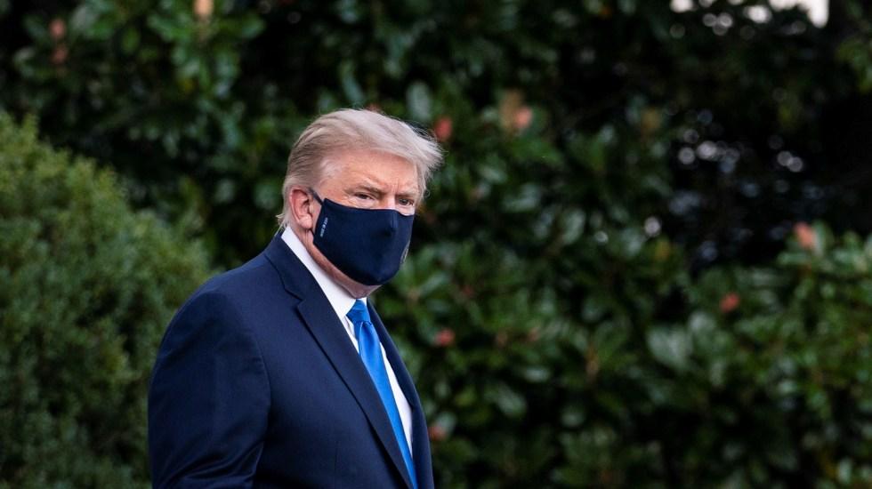 Trump recibe tratamiento con esteroide tras caída en niveles de oxígeno; podría regresar a la Casa Blanca el lunes - Donald Trump con cubrebocas tras dar positivo a COVID-19. Foto de EFE