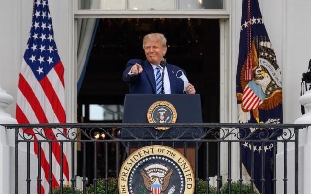 """Celebra Trump 'inmunidad' por COVID-19; """"muy bueno saberlo"""", afirma - Donald Trump en primer evento público tras dar positivo por COVID-19. Foto de EFE"""