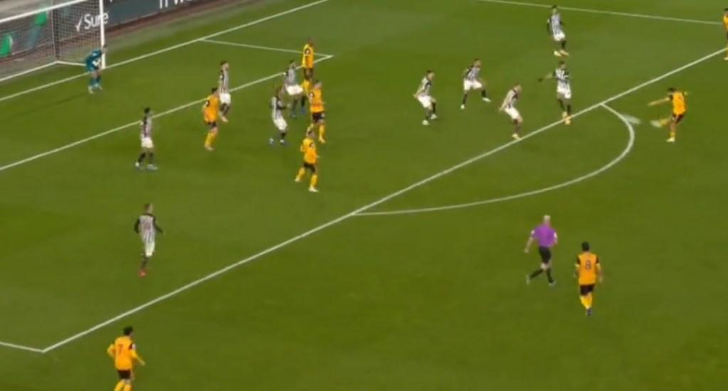 #Video Golazo de Raúl Jiménez al Newcastle. Noticias en tiempo real