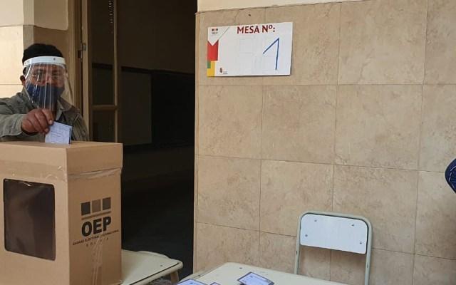Bolivianos comienzan a votar para elegir nuevo presidente - Jornada electoral boliviana. Foto de @TSEBolivia