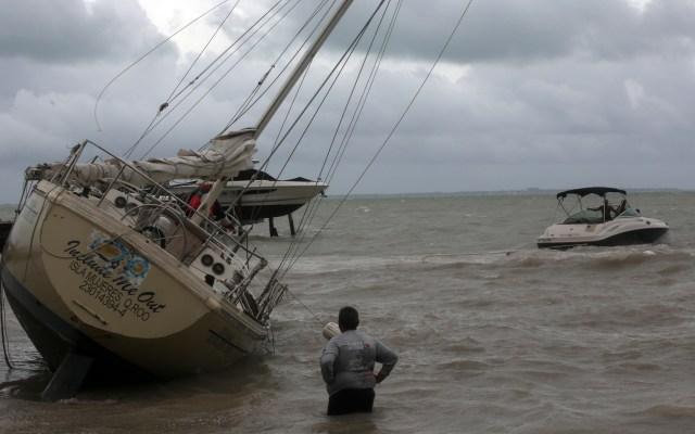 'Gamma' toma fuerza al dejar Península de Yucatán y salir al Golfo de México - Mal clima en costas de Quintana Roo por la tormenta tropical Gamma. Foto de EFE