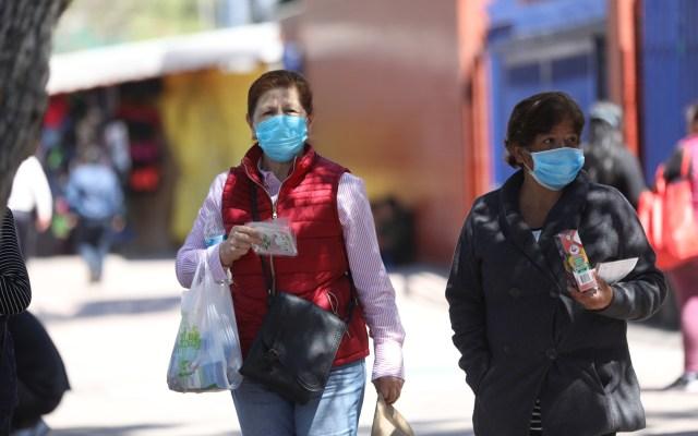 COVID-19: No está descartado el Semáforo Rojo en la Ciudad de México: Salud - Mujeres con cubrebocas para prevenir el COVID-19 en la Ciudad de México. Foto de EFE