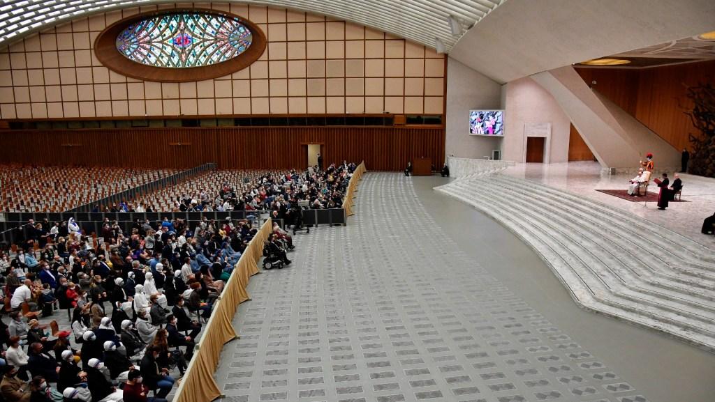 La audiencia general del papa Francisco, con pocos fieles y sin saludos - Foto de EFE