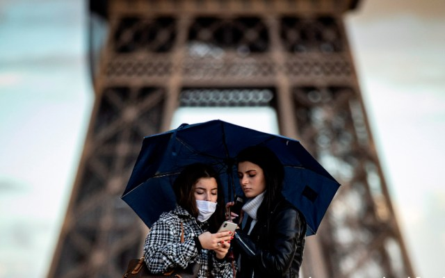 Francia supera su número de muertes diarias por COVID-19 con 430 decesos en las últimas 24 horas - Foto de EFE