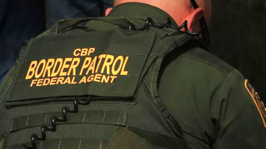 Patrulla Fronteriza tiene en custodia a tres mil 200 menores de edad - Foto de CBP. (Archivo)