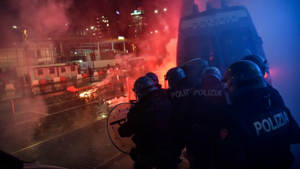 Disturbios en varias ciudades italianas ante los cierres para evitar contagios - Foto de EFE