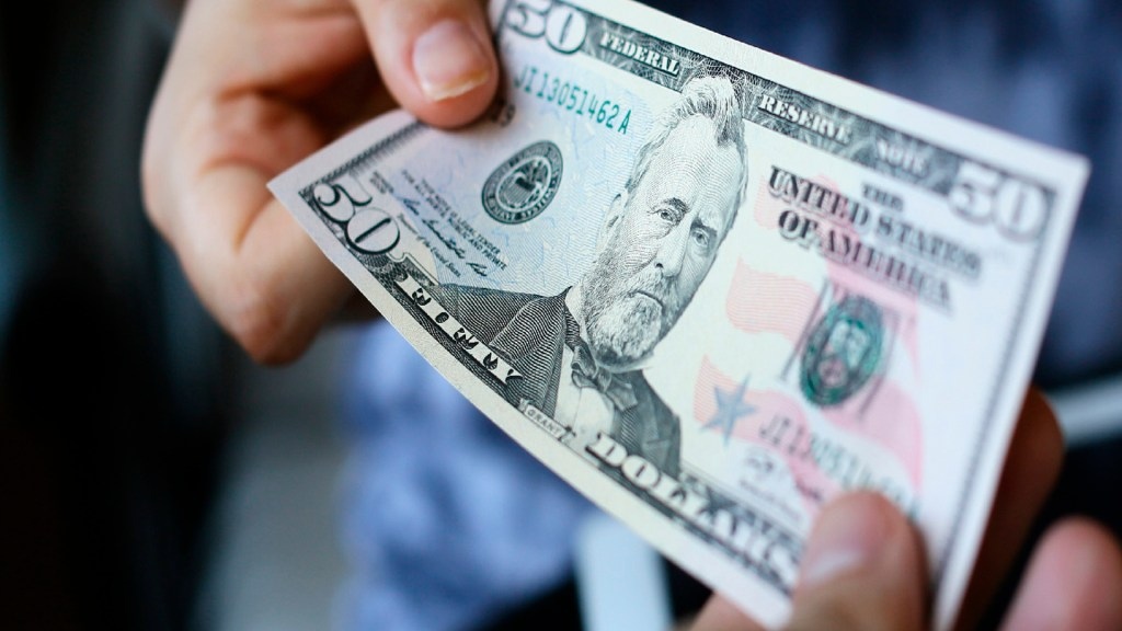 Remesas rompen récord en 2020: más de 40 mil millones de dólares en 2020 - Foto @Banxico