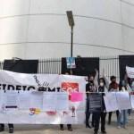 Manifestantes bloquean puertas del Senado; se cumple una semana de protestas contra extinción de fideicomisos