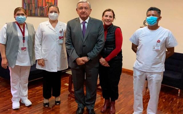 López Obrador y Gutiérrez Müller se vacunan contra influenza; ISSSTE invita a la población a recibir la inmunización - Foto Twitter @ISSSTE_mx