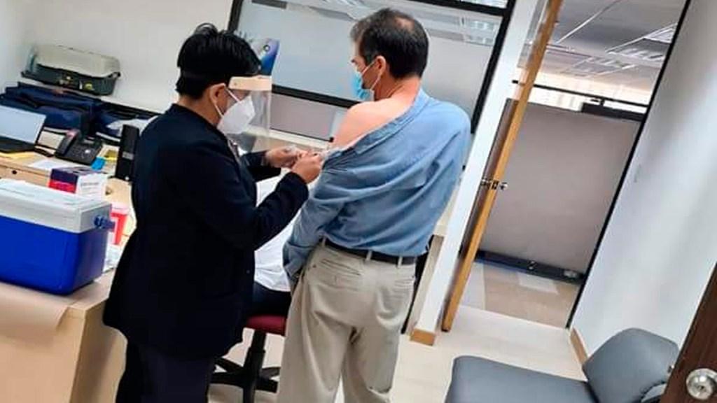 """No hay desabasto de vacunas contra la influenza"", asegura Claudia Sheinbaum - Claudia Sheinbaum negó que haya desabasto de vacunas contra la influenza. Foto Twitter @SSaludCdMx"