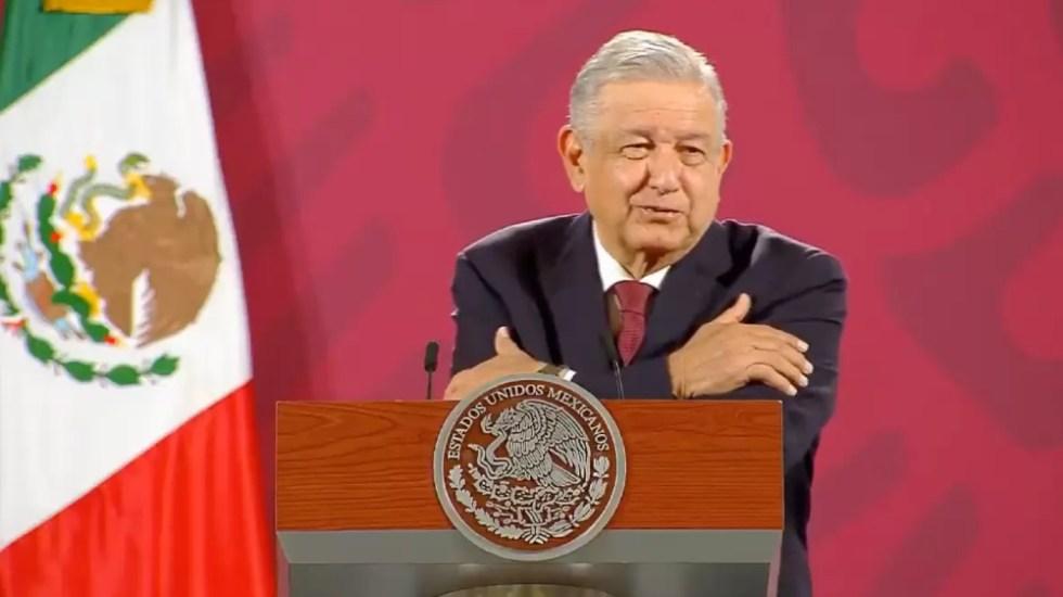 """Llevan serenata a AMLO por cumpleaños 67; """"amor con amor se paga"""", afirma el presidente - Foto de captura de pantalla"""