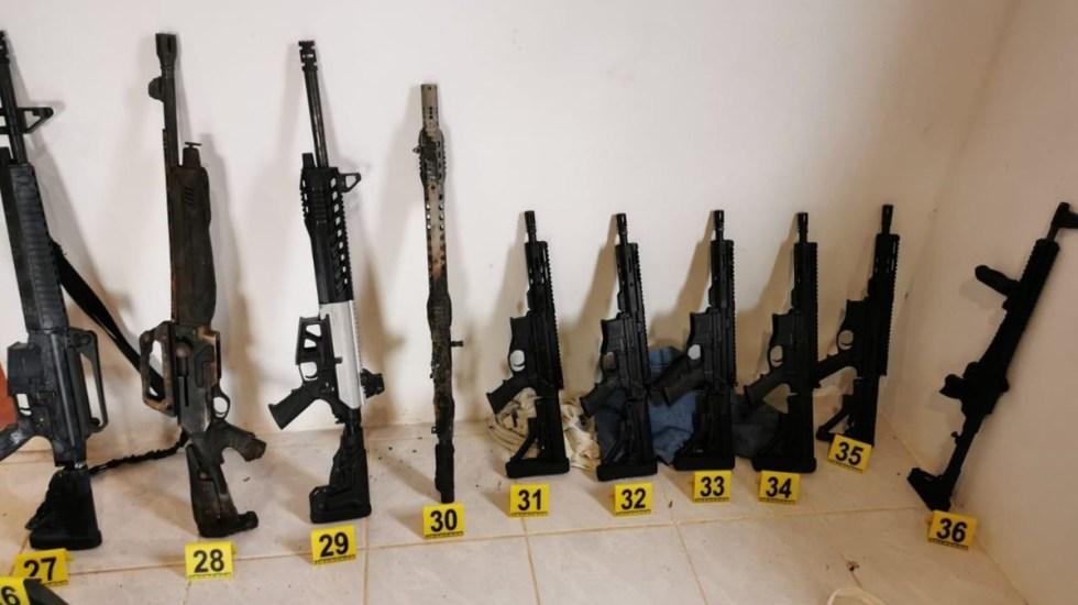 México va por extradición desde EE.UU. de traficantes de armas - Armas largas y cortas decomisada durante cateo en Chiapas. Foto de GN