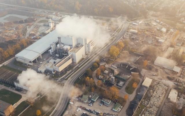 Dióxido de carbono en la atmósfera aumentó en cuatro años lo que antes incrementaba en 200 - Foto de Marcin Jozwiak @marcinjozwiak
