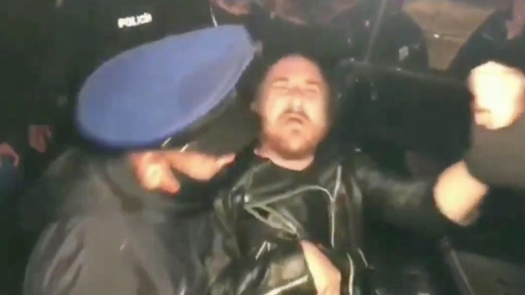 Detienen a youtubers tras riña con mujeres que los señalaron de grabarlas sin su consentimiento - Captura de pantalla