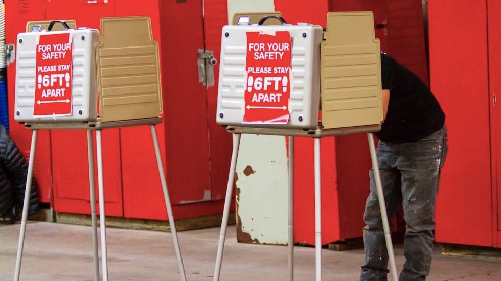 Cierran colegios electorales en la costa oeste de Estados Unidos - Foto de EFE