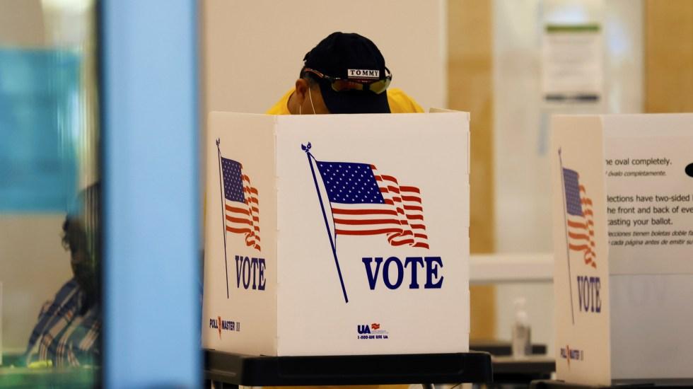 Concluye la jornada electoral en EE.UU. con cierre de urnas en Alaska - Emisión de votos en Estados Unidos. Foto de EFE