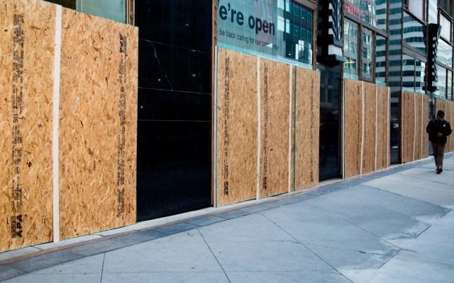 Estados Unidos vota en ciudades blindadas y con la tensión a flor de piel