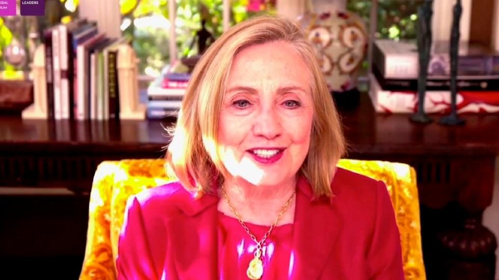 """Se necesitan mujeres en el poder que empoderen a otras"": Hillary Clinton - Foto Twitter @ChristyL17"