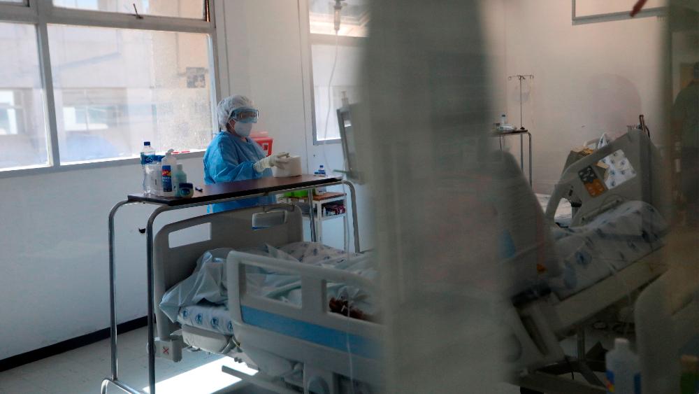 Uno de cada seis pacientes hospitalizados con COVID-19 padece trombos - Foto de EFE