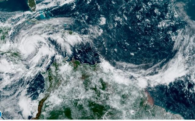 'Eta' es ya un huracán y crecerá antes de acercarse a Nicaragua y Honduras - Foto de EFE