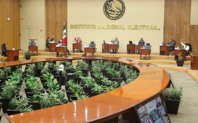 """AMLO afirma que al INE """"sí le alcanza"""" el presupuesto para realizar consulta popular - Foto Twitter @INEMexico"""