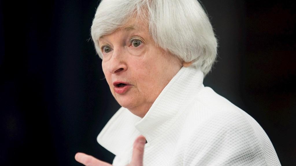 Biden anuncia su equipo económico y elige a Yellen para secretaria del Tesoro - En la imagen, la expresidenta de la Reserva Federal de Estados Unidos, Janet Yellen. Foto de EFE/Jim Lo Scalzo/Archivo.