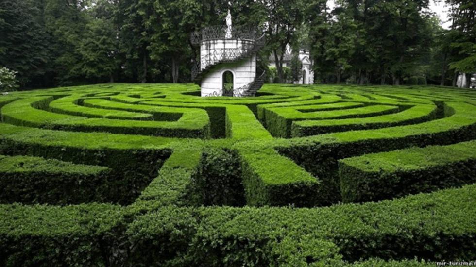 La Rosa del mundo - El arco de Rosamunda en el jardín del palacio real de Woodstock