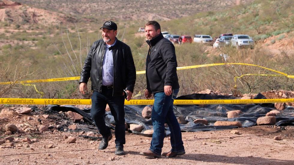 Familias mormonas claman justicia un año después de brutal masacre en Bavispe, Sonora - Adrián y Alex LeBaron en la zona del atentando a su familia, en el municipio de Bavispe, Sonora. Foto de EFE