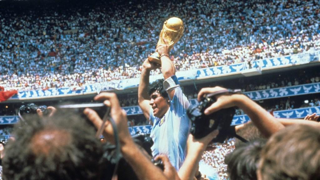 La vida de Diego Armando Maradona en FOTOS. Noticias en tiempo real