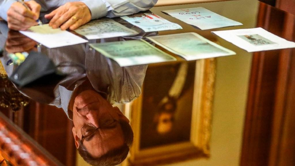 """Destitución de Martín Vizcarra en Perú, amenaza al """"Estado de derecho"""", advierte HRW - Foto Twitter @MartinVizcarraC"""