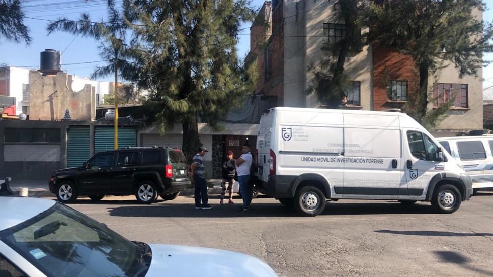 Adolescente asesina en Ciudad de México a niños de 7 y 13 años durante riña - Peritos de FGJ en la colonia Moctezuma II Sección por asesinato de dos menores. Foto de @c4jimenez