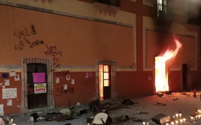 #Video Queman Palacio Municipal de Fresnillo, Zacatecas, tras localización de cuerpo de menor de 12 años - Foto de @ArmyHouseMx1