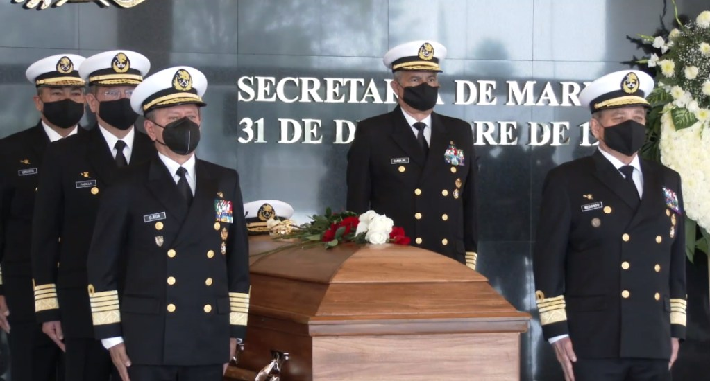 #Video Despiden con honores a Mariano Francisco Saynez, exsecretario de Marina - Semar marino honores