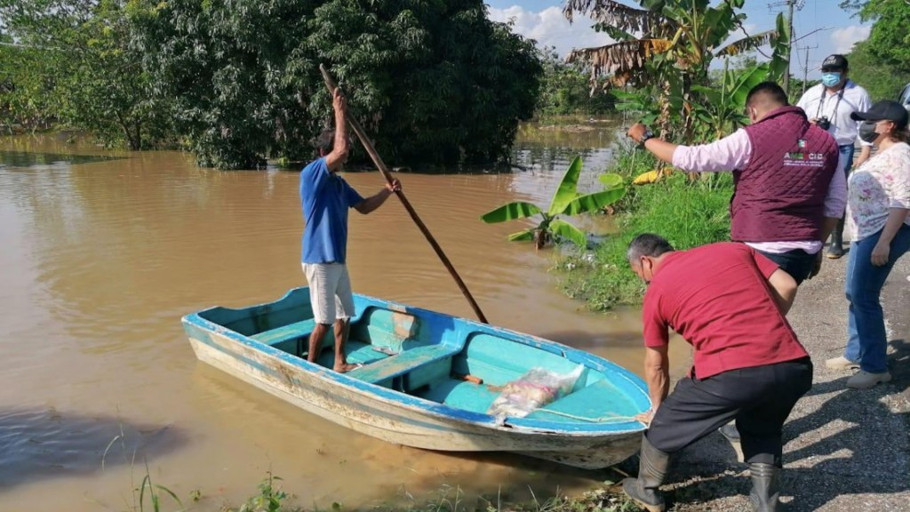 Continúa la emergencia en Tabasco; hay más de 141 mil damnificados - Foto de CNPC