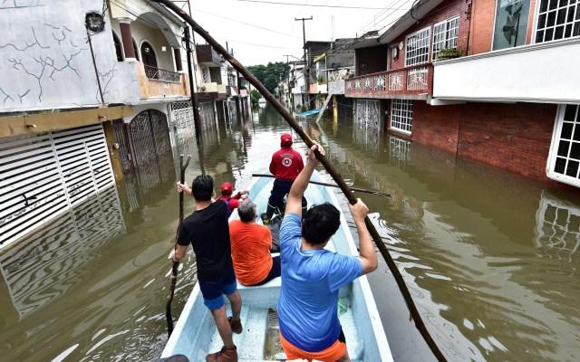 AMLO designa a secretario de Marina para coordinar acciones de apoyo en Tabasco tras inundaciones - Foto de EFE