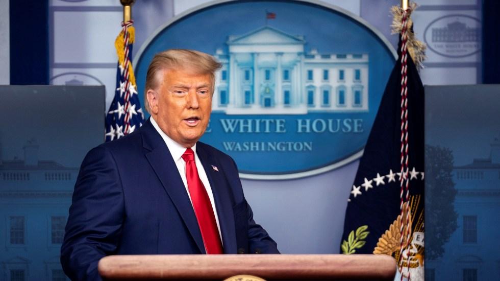 """Reitera Trump que hubo """"tremendo fraude"""" en las elecciones, en un discurso que llamó """"el más importante de su presidencia"""" - Trump en la Casa Blanca. Foto de EFE"""