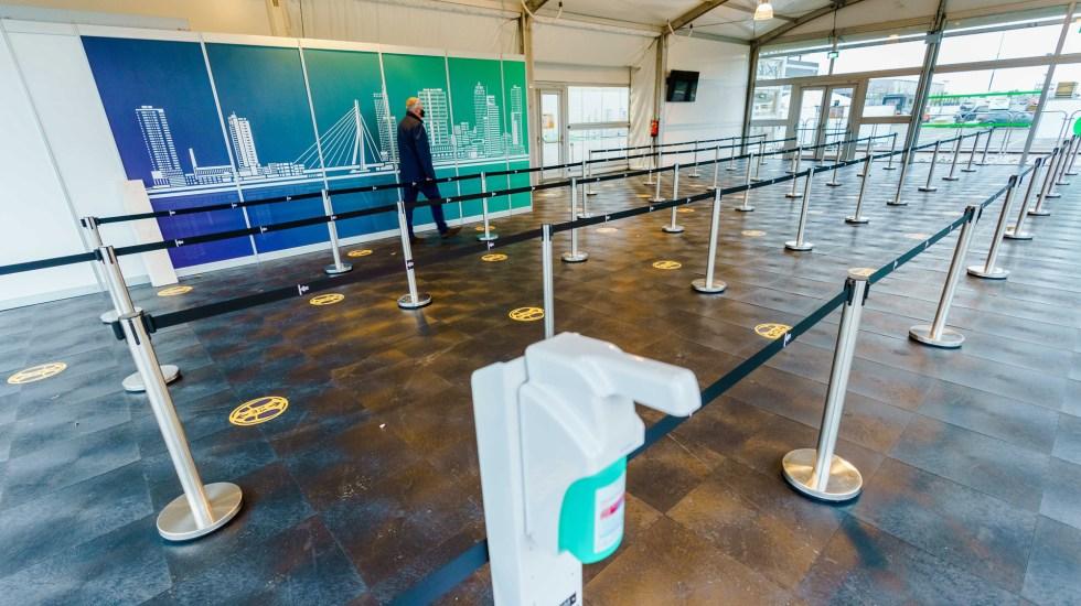 Suspenden Italia y Países Bajos vuelos con Reino Unido por nueva variante de COVID-19 - Aeropuerto de Países Bajos. Foto de EFE