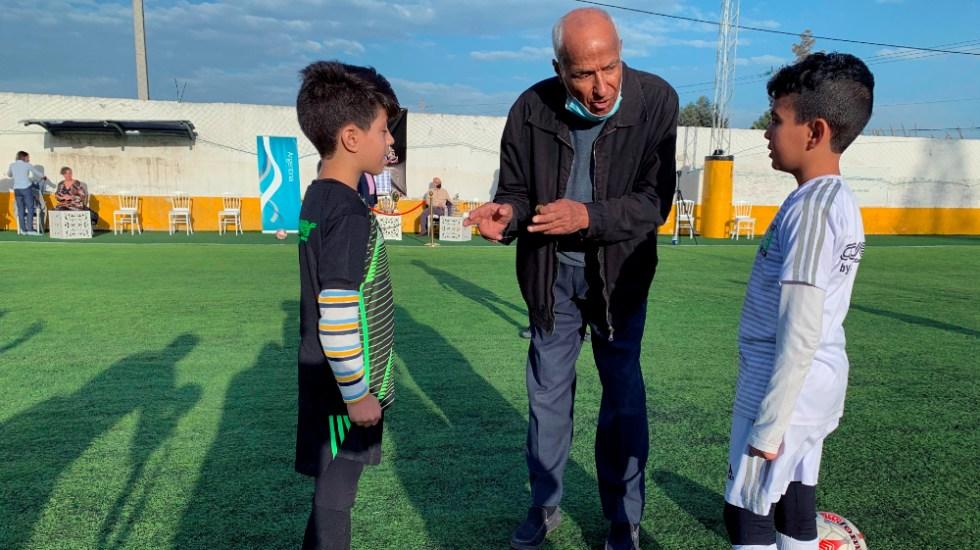 """Árbitro de la """"mano de Dios"""" vuelve a pitar para homenajear a Maradona - Foto de EFE"""