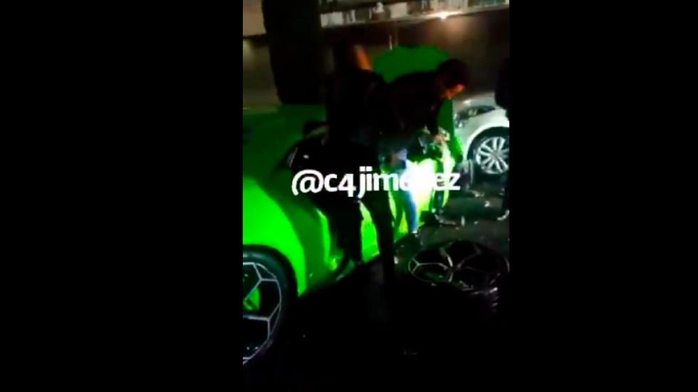 #Video Así huyó conductor que estrelló Lamborghini en la Miguel Hidalgo; autoridades lo identifican y buscan - Así se captó la huida del sujeto que estrelló su Lamborghini en calles de Polanco. Foto Captura fe pantalla