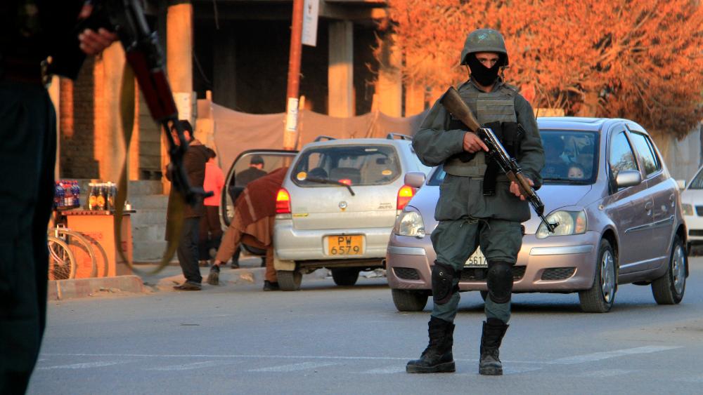 Al menos 15 civiles muertos en un atentado con una moto-bomba en Afganistán - Foto de EFE