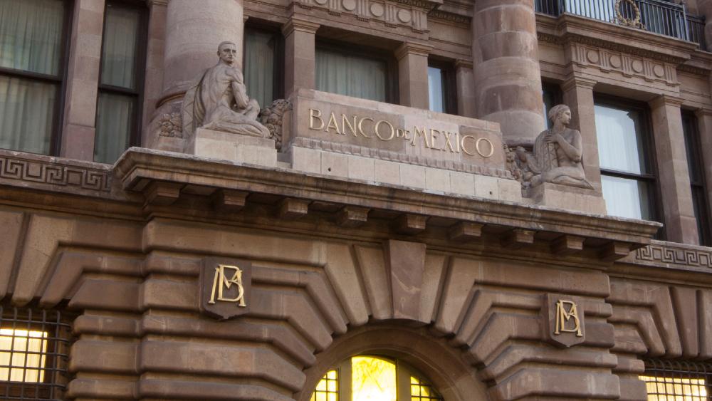 Banxico refrenda disposición con Congreso para construir marco legal que beneficie a quienes reciben divisas en efectivo - Foto Banco de Mexico