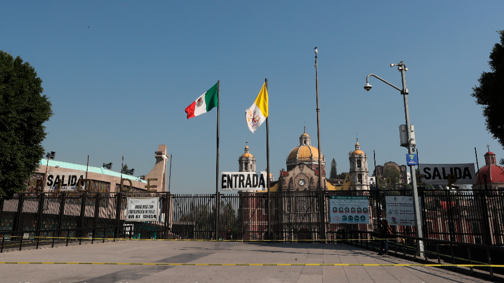 Agradece Gutiérrez Müller a devotos guadalupanos no asistir a la Basílica - Foto de EFE