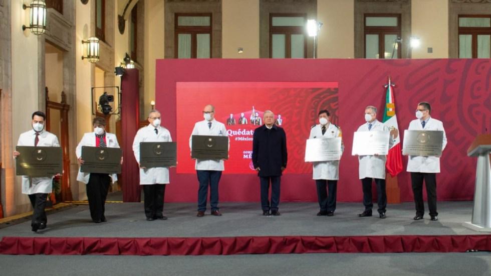 Gobierno de México reconoce con la Condecoración Miguel Hidalgo al personal de salud de hospitales COVID-19 - Foto de lopezobrador.org.mx