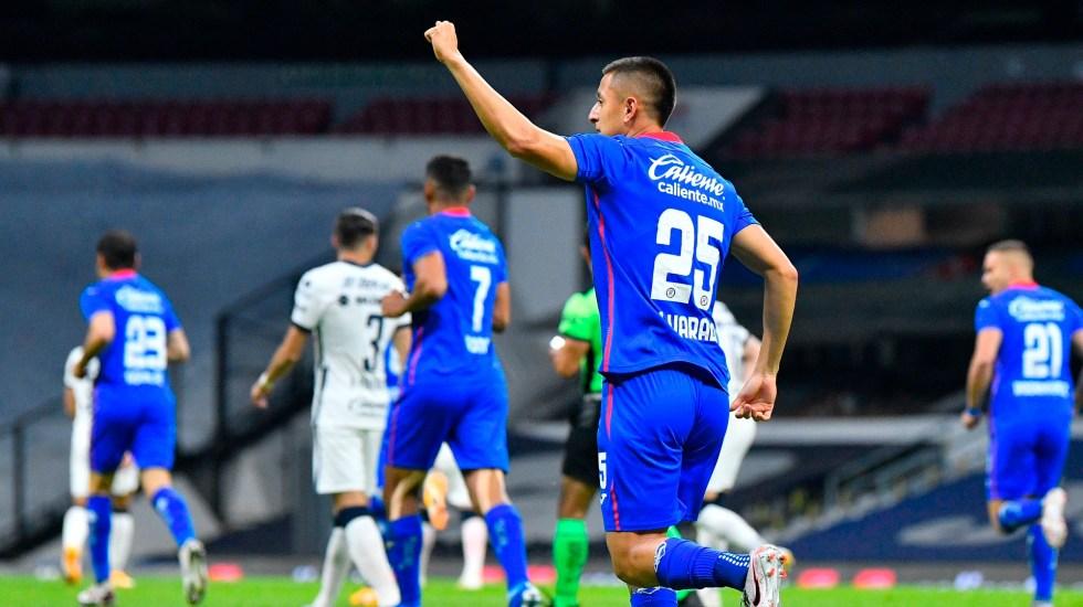 Cruz Azul golea a Pumas; tiene pie y medio en la Final del Guardianes 2020 - Cruz Azul aplasta a Pumas con goleada de 4-0 y está a un paso de la final del torneo Apertura. Foto Twitter @CruzAzulCD