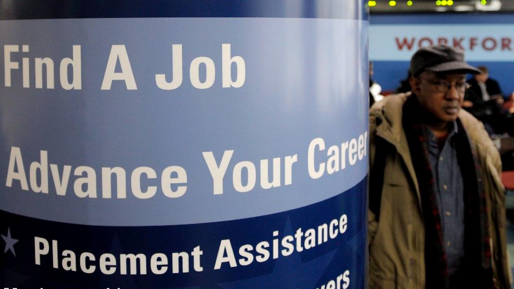 Millones perderán la ayuda de desempleo por el rechazo de Trump a la ley de estímulo - Foto de EFE