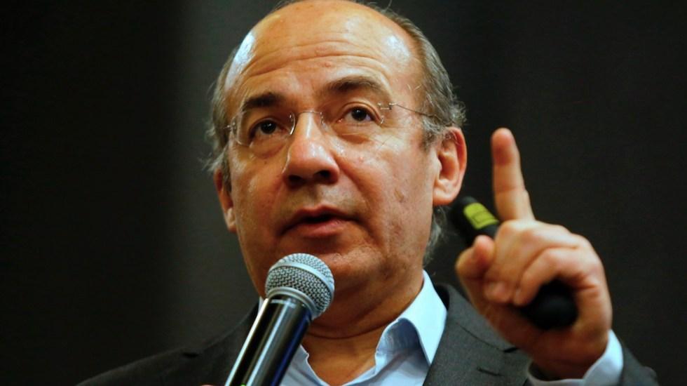 Ataque a jueces refleja el talante autoritario del gobierno: Calderón - Felipe Calderón, expresidente de México. Foto de EFE. (Archivo)