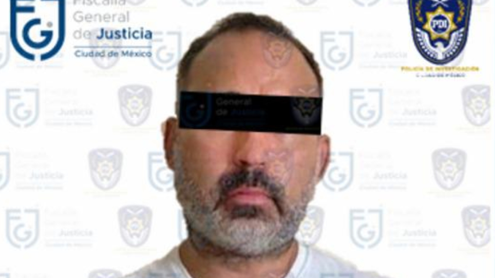 Vinculan a proceso a exfuncionario de Seduvi por uso ilegal de atribuciones - Foto de FGJ CDMX