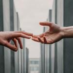 """""""La fuerza de la generosidad"""", la reflexión del Dr. José Antonio Lozano Díez - Generosidad bondad archivo"""