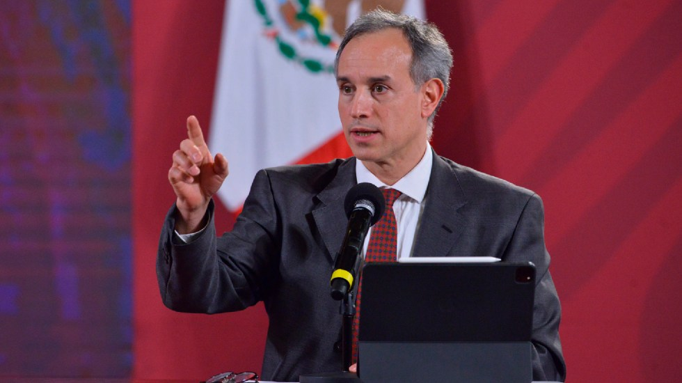 Bien que haya escrutinio, pero el servidor público tiene derechos: AMLO sobre fotos de López-Gatell en Oaxaca - Hugo López-Gatell, subsecretario de Prevención y Promoción de Salud federal. Foto Twitter @HLGatell