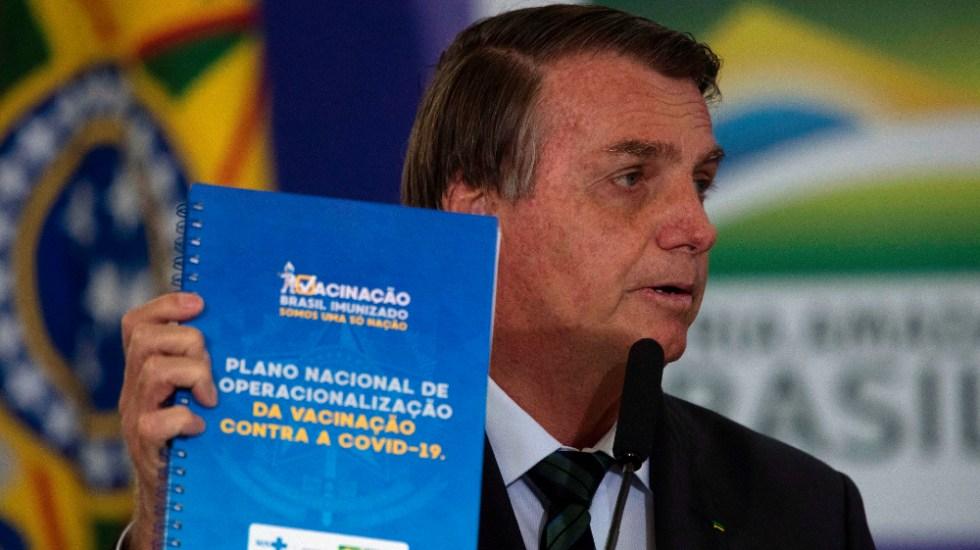 Bolsonaro dice no sentirse presionado para que Brasil inicie la vacunación - Foto de EFE